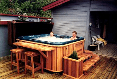 arctic spas hot tub on deck lots of cedar1